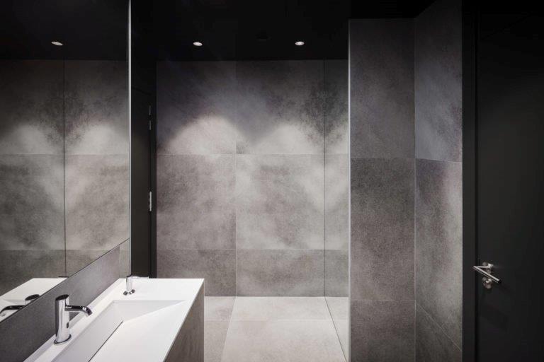 Platen Voor Badkamer : Keramiek platen badkamer de groeve natuursteen b v